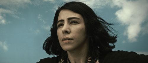 Shirin_Neshat_Munis_iranianfilmdaily